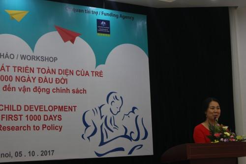 """Bà Trần Thu Hà giời thiệu về mô hình thí điểm """"Câu lạc bộ học tập cộng đồng vì sự phát triển toàn diện của trẻ nhỏ"""" tại Hà Nam"""
