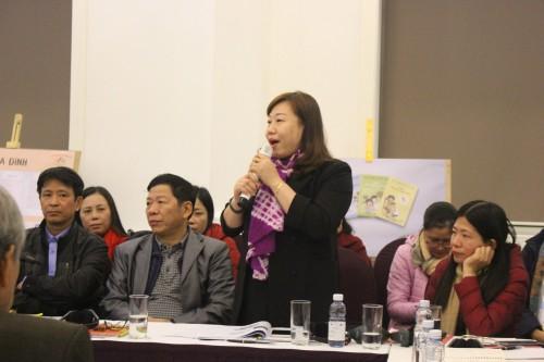 Phát biểu của đại diện hội phụ nữ tỉnh Hà nam, về tổ chức triển khai mô hình câu lạc bộ tại xã trên thực tế, có sự phối hợp giữa ba tổ chức trong xã: Hội phụ nữ, giáo dục mầm non, và y tế xã.