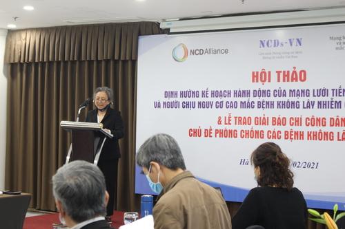 Bà Phan Vũ Diễm Hằng, đại diện Mạng lưới PLWNCDs-VN phát biểu khai mạc Hội thảo